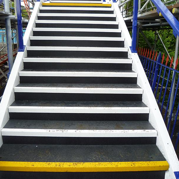 Anti Slip Strips For Exterior Railway Steps | Evergrip