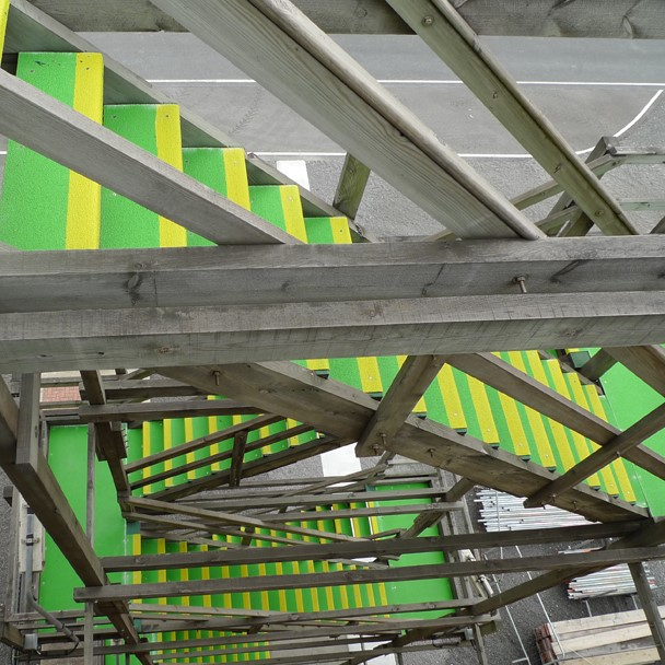 Anti-slip stairs in a power generation plant