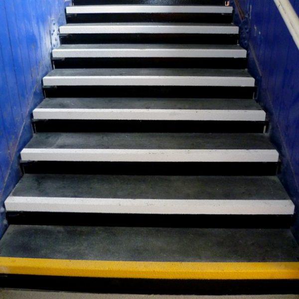 Anti-slip stair treads at Gerrard's Cross railway station