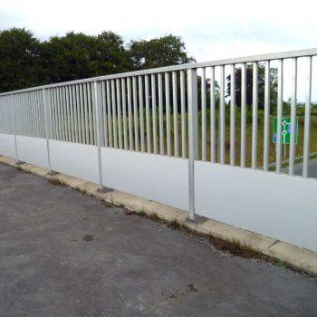 Metal infills for bridge