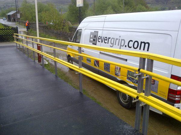 Fibreglass railway platform access ramp