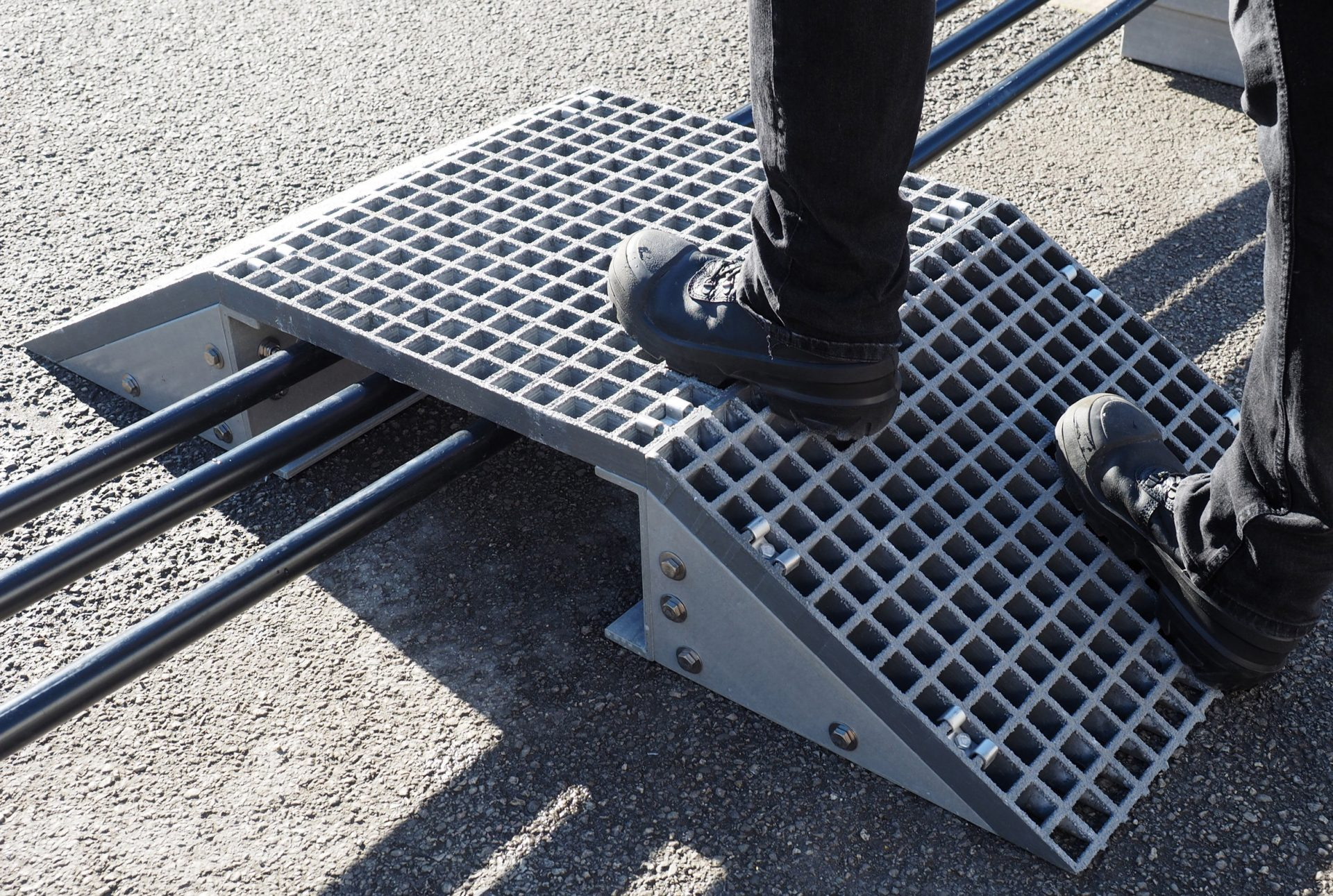 GRP step up and over mini access ramp