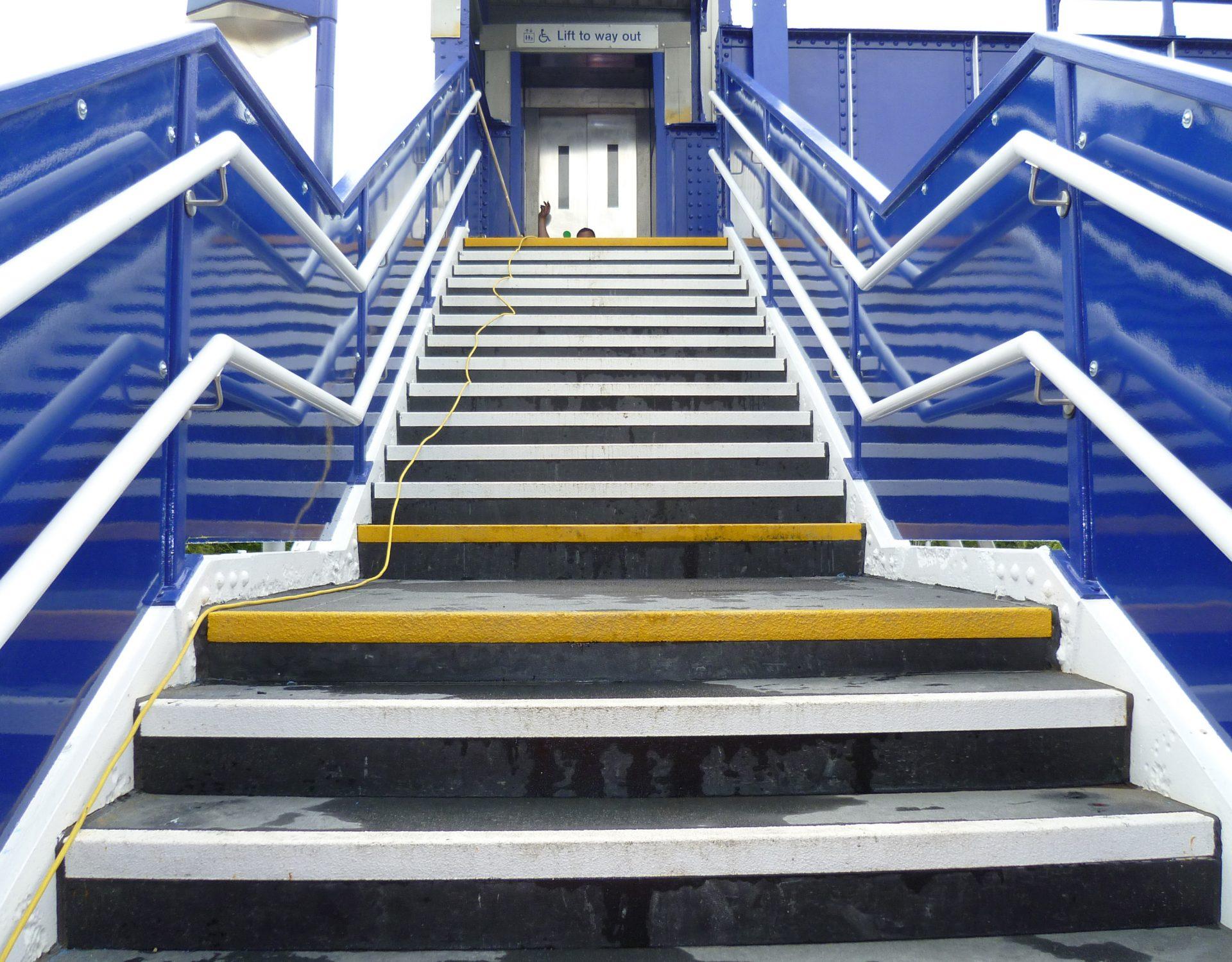 Load bearing GRP stair treads high traffic pedestrian bridge